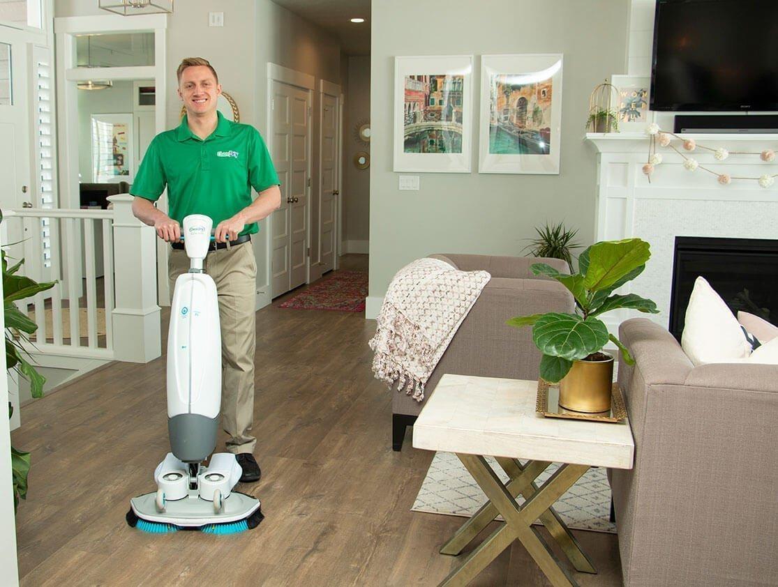 wood floor cleaning technician